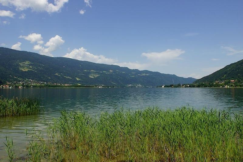 Nahe Villach liegt auch der Ossiacher See